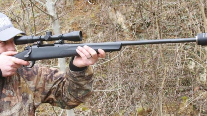 hunter holding Remington 783